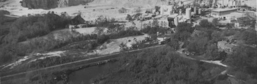 cropped-cropped-railroad-avenue-kilroy-texas-5919025.jpeg